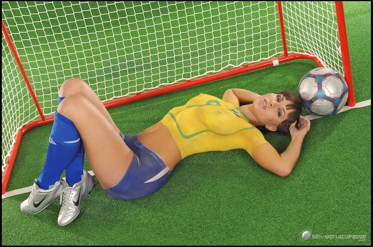 Спортивные игры в голом виде бесплатно 13 фотография