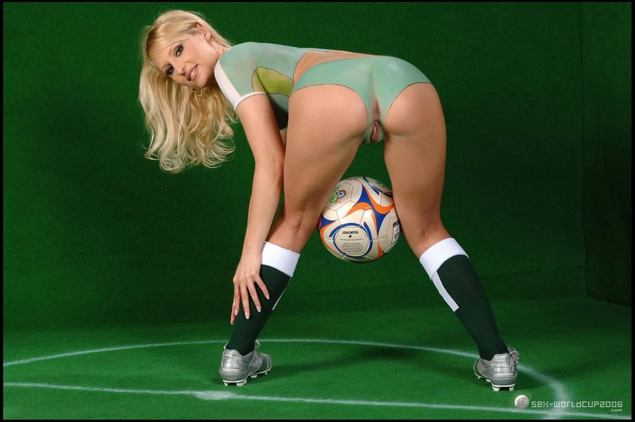 Эротика на стадионе, Быстрый секс на стадионе во время матча 8 фотография